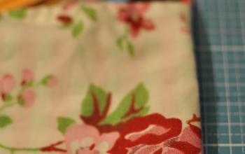 Kleines Täschchen für Krimskrams mit Blumenmuster